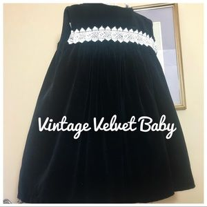 Vintage Velvet Baby Dress with lace 1950 12/18 mos